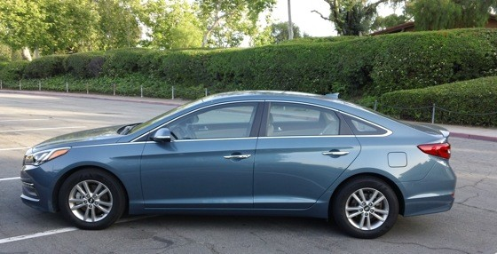 Hyundai Sonata Hybrid 2018 >> 2015 Hyundai Sonata Eco Drives Like a Hybrid But It Actually Gets the Unleaded Out
