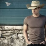 Dustin Lynch is Pleasantly Surprised By Southern California's Country Scene