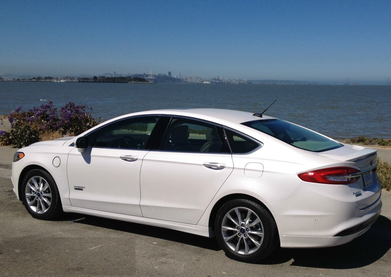 2017 ford fusion platinum energi plug in hybrid makes socal norcal challenge. Black Bedroom Furniture Sets. Home Design Ideas