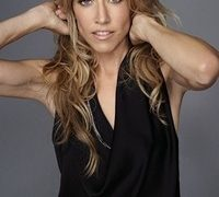Sheryl Crow to Hold Free  Concert on Nov. 16 for Breast Cancer Awareness